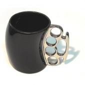 Кружка- кастет черная с серебристой ручкой