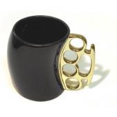 Кружка- кастет черная с золотистой ручкой